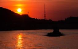 Sonnenuntergang in Kyiv auf Fluss Dnipro Lizenzfreies Stockfoto