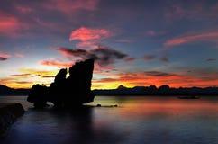 Sonnenuntergang in Lagen-Insel, Erholungsort EL Nido, Palawan Lizenzfreies Stockbild
