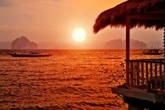 Sonnenuntergang-Landhaus Lizenzfreie Stockbilder