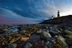 Sonnenuntergang am Leuchtturm Lizenzfreie Stockfotos