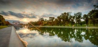 Sonnenuntergang am Lincoln-Denkmal Stockfotos