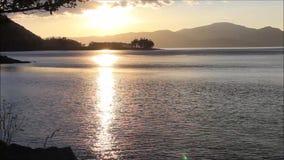 Sonnenuntergang in Loch Linnhe Argyll und hochgebogene Hinterkante, Schottland, Großbritannien stock video footage