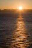 Sonnenuntergang in Meer Lizenzfreie Stockfotos