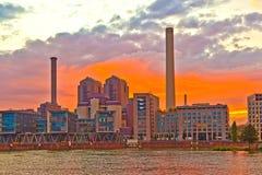 Sonnenuntergang mit cityview von Frankfurt Stockbilder