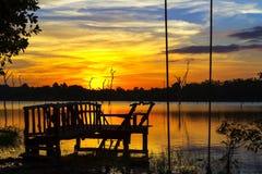 Sonnenuntergang mit schwarzem Schatten Lizenzfreies Stockfoto