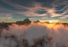 Sonnenuntergang mit Spinnennetz mögen Federwolkewolken Stockfoto