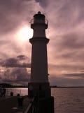 Sonnenuntergang am New-Haven Leuchtturm, Edinburgh, Schottland, Vereinigtes Königreich Lizenzfreie Stockfotos