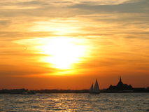 Sonnenuntergang in NYC Lizenzfreies Stockbild