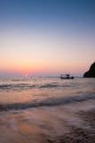 Sonnenuntergang am Oststrand von Thailand stockfotografie
