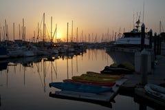 Sonnenuntergang am Ozeanufer-Hafen, Kalifornien Stockfoto