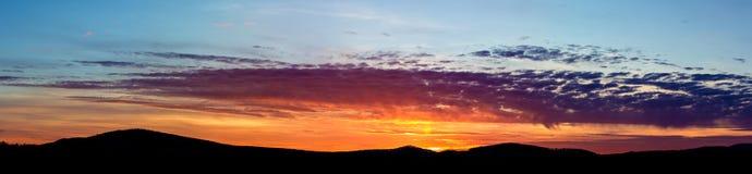 Sonnenuntergang-Panorama lizenzfreies stockbild