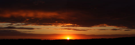Sonnenuntergang panoramisch lizenzfreie stockfotografie