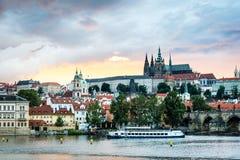 Sonnenuntergang in Prag, Tschechische Republik Lizenzfreies Stockbild