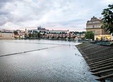 Sonnenuntergang in Prag, Tschechische Republik Lizenzfreie Stockfotos