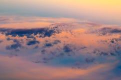 Sonnenuntergang reflektiert im Wasser Stockfotografie
