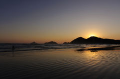 Sonnenuntergang-Reflexion im Ozean Lizenzfreies Stockfoto
