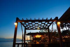 Sonnenuntergang am Restaurant lizenzfreie stockfotos