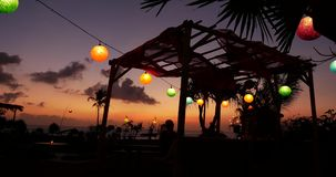 Sonnenuntergang-Restaurant Bali 4k stock video footage