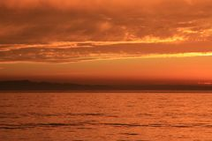 Sonnenuntergang in Süd-Kalifornien durch Landstraße 101 lizenzfreie stockbilder