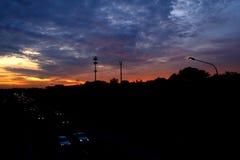 Sonnenuntergang an Schnellstraße 3 Stockfotografie