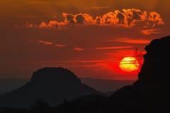 Sonnenuntergang in Schrammstein stockbilder
