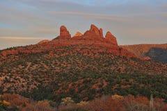 Sonnenuntergang Sedona AZ- auf den roten Felsen Lizenzfreie Stockfotografie