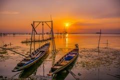 Sonnenuntergang in See Lizenzfreie Stockfotos