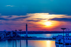 Sonnenuntergang am Seehandelshafen Lizenzfreie Stockfotografie