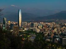 Sonnenuntergang-Skyline in Santiago de Chile Lizenzfreie Stockfotografie
