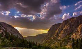Sonnenuntergang am Sonora-Durchlauf Kalifornien Lizenzfreies Stockfoto