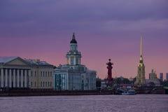 Sonnenuntergang in St Petersburg, Russland Lizenzfreie Stockfotos