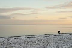 Sonnenuntergang am Strand Stockbilder