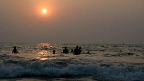 Sonnenuntergang am Strand stock video