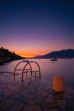 Sonnenuntergang am Strand in Montenegro Lizenzfreie Stockfotos