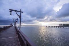 Sonnenuntergang am Strandbalkon Lizenzfreie Stockfotografie