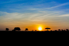 Sonnenuntergang in Tansania lizenzfreie stockfotos