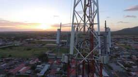 Sonnenuntergang-Telekommunikation Antena lizenzfreies stockbild