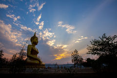 Sonnenuntergang am Tempel Thailand Lizenzfreie Stockfotos