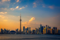 Sonnenuntergang in Toronto lizenzfreie stockfotos