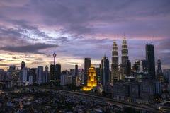 Sonnenuntergang am Twin Tower KLCC Lizenzfreie Stockfotos