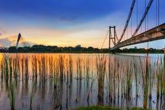 Sonnenuntergang und Brücke Stockbilder