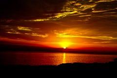 Sonnenuntergang und der Himmel Stockbild