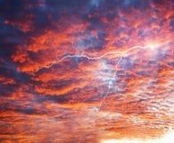 Sonnenuntergang und Sonnenaufgang Lizenzfreie Stockfotos