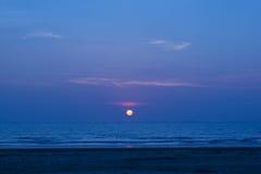 Sonnenuntergang und Strand stockfotos