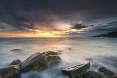 Sonnenuntergang und Strand Stockbild
