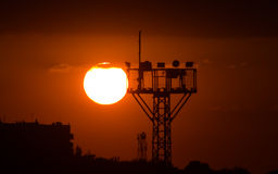 Sonnenuntergang und Turm Stockfotos