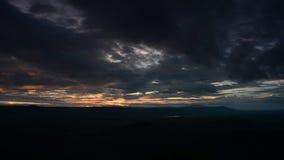 Sonnenuntergang und Wolke Geschossen auf Kennzeichen II Canons 5D mit Hauptl Linsen stock video