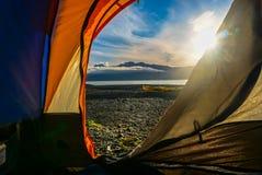 Sonnenuntergang vom Zelt Lizenzfreie Stockbilder