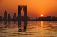 Sonnenuntergang von China-Stadt Stockfotografie