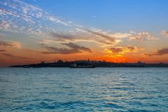Sonnenuntergang von Istanbul stockfotos